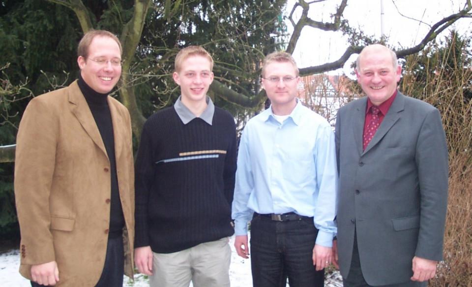 Kurz nach seiner ersten Wahl in den Landtag bei der Jungen Union Vogelsberg im Februar 2003 in Alsfeld: Kurt Wiegel (rechts) mit damals frisch gewählten JU-Kreisvorsitzenden Michael Ruhl (2.v.l.), dessen Amtsvorgänger Jens Mischak und MdB Helge Braun (lin